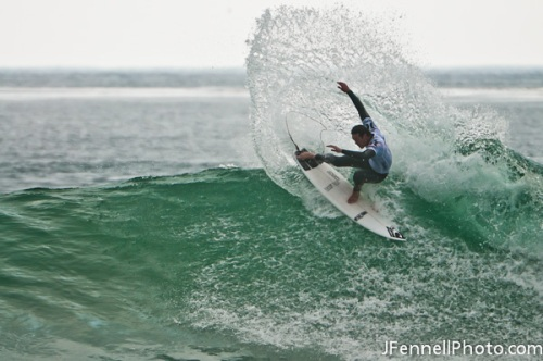 Jordy Smith Surfing