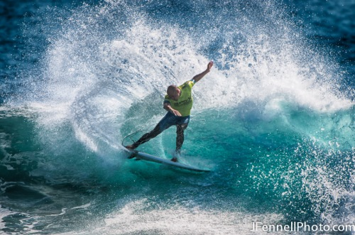 Kelly Slater doing what he does best on his way to Victory.
